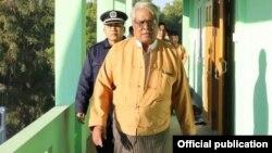 စစ္ကိုင္းတိုင္းဝန္ႀကီးခ်ဳပ္ ေဒါက္တာျမင့္ႏိုင္။ (ဓာတ္ပံု - Sagaing Region Government Office - ဒီဇင္ဘာ ၀၉၊ ၂၀၁၈)