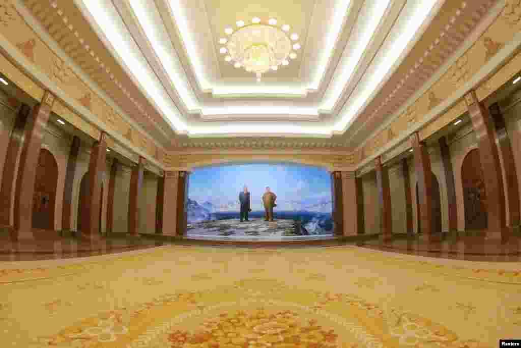 증축 및 개축이 완료된 조선혁명박물관 모습을 28일 조선중앙통신이 공개했다.