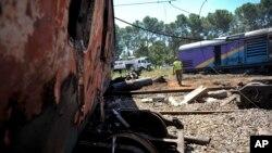حادثے کے مقام پر تباہ شدہ بوگیاں دکھائی دے رہی ہیں۔ کرونسٹاڈ، جنوبی افریقہ 4 جنوری 2018
