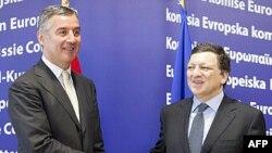 Bashkimi Evropian i jep zyrtarisht Malit të Zi statusin e kandidatit