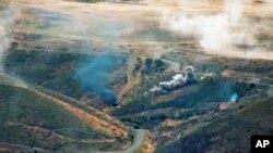 Artileri Armenia menyerang pasukan Azerbaijan di jalur kontak Republik Nagorno-Karabakh. (Foto: AP)