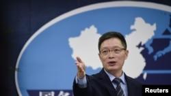 中國國台辦發言人安峰山2016年12月主持一次記者會。(路透社)