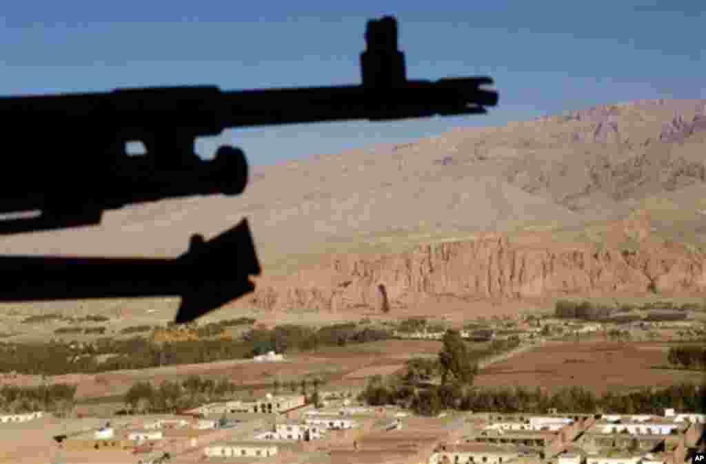 آغاز روند انتقال مسؤولیت های امنیتی در بامیان