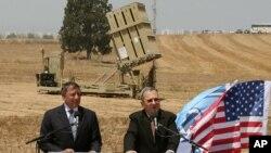 El ministro de Defensa de Israel, Ehud Barak (derecha) y su homólogo estadounidense, Leon Panetta, se reunieron este miércoles 1 de agosto en Tel Aviv, Israel.