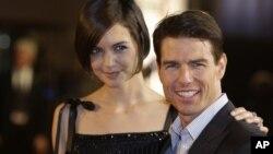 تام کروز و کیتی هولمز در سال ۲۰۰۶ ازدواج کردند و یک دختر شش ساله به نام سوری دارند