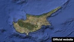 Kıbrıs'ın güneyindeki münhasır ekonomik bölge uluslararası alanda, özellikle de Avrupa Birliği'nde Türkiye açısından sıkıntı yaratmaya başladı.