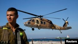 Helikopter Israel menembakkan dua misil terhadap kendaraan Hezbollah di Suriah, menewaskan 7 orang (foto: dok).
