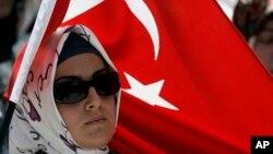 سفارت افغانستان در ترکیه می گوید که شاید حدود ۸۰ هزار افغان سند اقامت ترکیه را گرفته باشند