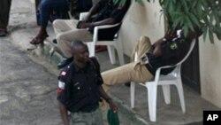 Policajac u patroli protiv talasa kidnapovanja u Nigeriji
