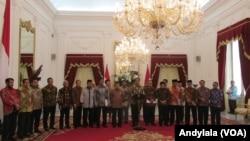 Presiden Joko Widodo melakukan pertemuan dengan seluruh pimpinan lembaga negara di Istana Merdeka, Jakarta, Selasa 14 Maret 2017. (Foto: VOA/Andylala)