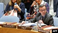 세바스티아노 카르디 유엔주재 이탈리아 대사가 지난 11월 안보리에서 열린 북한 미사일 발사 관련 회의에서 발언하고 있다.