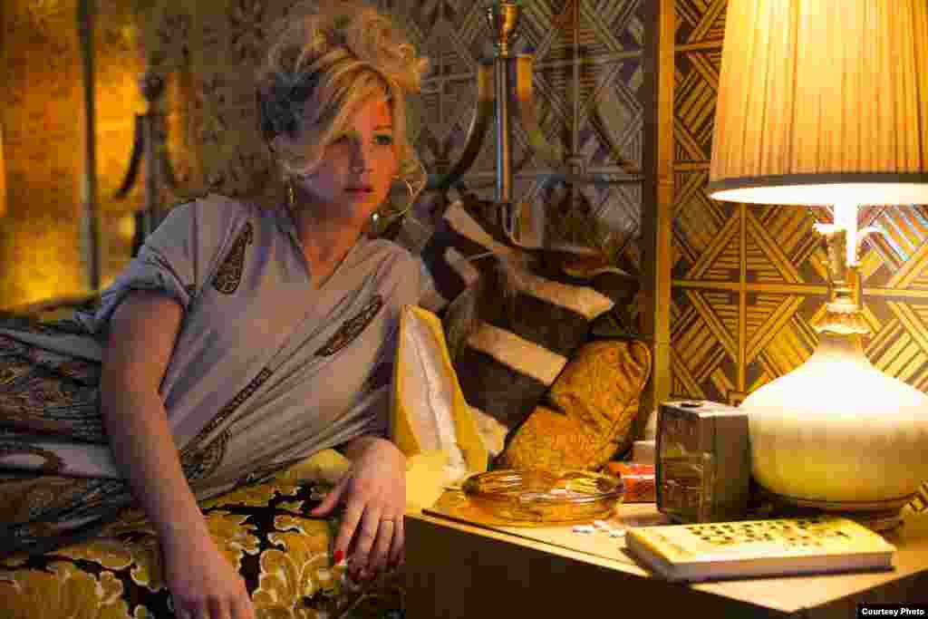 YARDIMCI KADIN OYUNCU ADAYI: Jennifer Lawrence / Düzenbaz