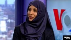 Nusrat Qadir Chaudhry, juru bicara nasional bagi Komunitas Muslim Ahmadiyah di Amerika. (R. Taylor/VOA)