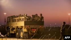 Američki vojnici na granici sa Meksikom (Foto: Andrew Cullen / AFP)