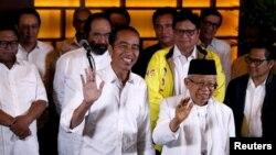 Presiden Joko Widodo bersama KH. Ma'ruf Amin bersama koalisi pendukungnya di Jakarta (17/4).