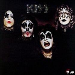"Kiss' ""Kiss"" CD"
