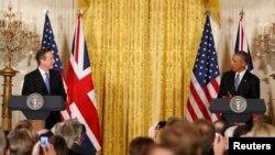 16일 백악관에서 바락 오바마 미국 대통령(오른쪽)과 영국의 데이비드 캐머런 총리가 공동 기자회견을 하고 있다.