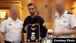 Boris Mihajlović (u sredini). Izvor: HMCS, Tecumseh/Facebook