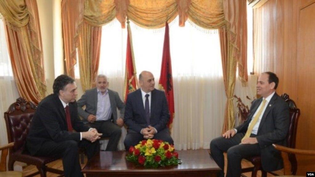 Presidenti i Shqipërisë, Nishani viziton Malin e Zi