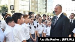 Prezident İlham Əliyev, ilk dərs günü Bakıdakı 20 saylı məktəbdə,15 sentyabr 2017