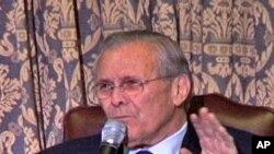 Donald Rumsfeld govori o svojim memoarima u klubu Union League u Chicagu