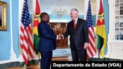 Filipe Nyusi e e antigo secretário de Estado americano Rex Tillerson (Foto: cortesia Departamento de Estado)