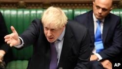 보리스 존슨 영국 총리가 지난 22일 영국 하원에서 연설하고 있다.