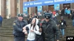 Митинг студентов против ОНФ разогнан полицией
