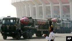 """"""" پاکستان بیشتر از 100 سلاح ذروی دارد"""""""