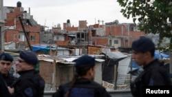 Los vecinos en Buenos Aires y otras ciudades importantes denuncian violencia y delincuencia por todos lados por lo que exigen más presencia policial.