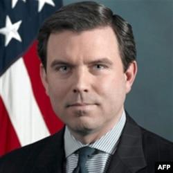 Phát ngôn viên Bộ Quốc phòng Hoa Kỳ nói rằng 'diễn đàn lần đầu tiên này sẽ tạo điều kiện cho các nhà lãnh đạo quốc phòng khu vực chính thức gặp nhau để thiết lập một cuộc đối thoại an ninh khu vực ở cấp bộ trưởng'.