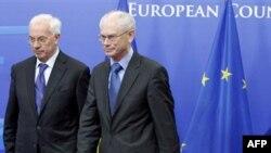Прем'єр-міністр України Микола Азаров і президент Ради ЄС Герман Ван Ромпей.