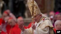 지난달 로마 교황청에서 드려진 미사에서 메세지를 전하는 교황 베네딕토 16세. (자료사진)
