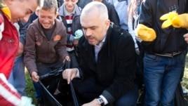 Shqipëri, nismë për pastrimin e qyteteve