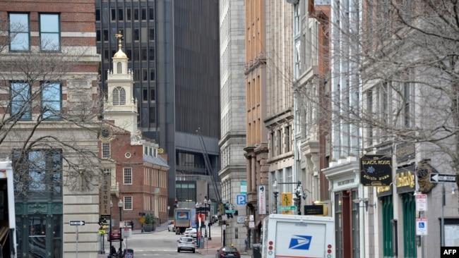 """美國馬薩諸薩州宣布""""居家令""""後,波士頓街頭空空蕩盪。"""