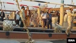 در یک ماه گذشته ۱۲ قایق ماهیگیری کشورهای همسایه توسط ایران متوقف شده است.