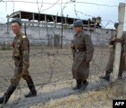 Bishkek yaqinidagi Petrovka qishlog'ida joylashgan qamoqxonada o'tgan yillar ichida mahbuslar bir necha bor qozg'olon ko'targan