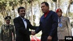 Kagan también habló sobre el impacto de las relaciones entre Mahmoud Ahmadinejad y Hugo Chávez.