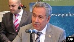 Başbakan Yardımcısı Bülent Arınç ABD maslahatgüzarının Dışişleri Bakanlığına çağrıldığını açıkladı