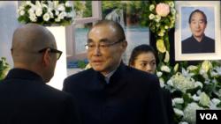 台灣國防部長馮世寬到孫天勤告別式上致敬