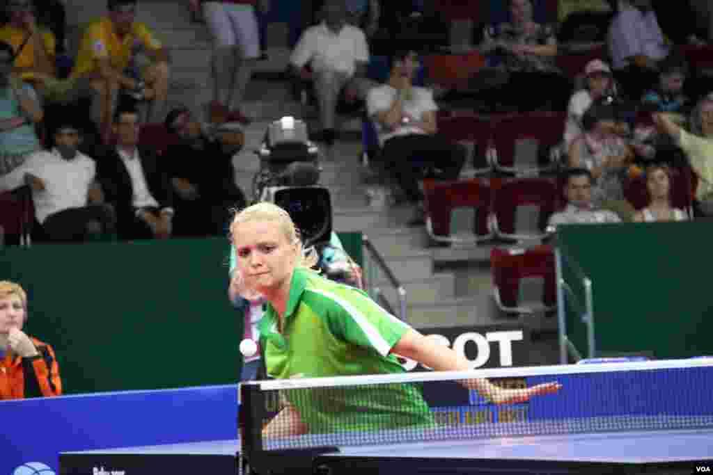 Stolüstü tennis (Bakı İdman Zalı)
