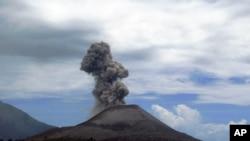 1883년 8월 26일 인도네시아 자바 섬과 수마트라 섬 사이의 순다 해협에서 발생한 화산 폭발