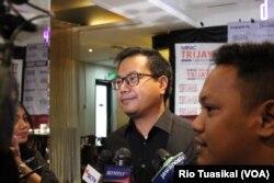 Rabin Hattari dari Tim Kampanye Nasional Jokowi-Ma'ruf mengatakan penangkapan Romy tidak berpengaruh terhadap elektabilitas Jokowi. Timnya tetap bekerja di bawah Ketua Erick Thohir, 16 Maret 2019. (Foto: Rio Tuasikal/VOA)
