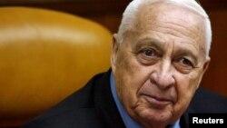 Foto de archivo de Ariel Sharon tomada en mayo de 2005.