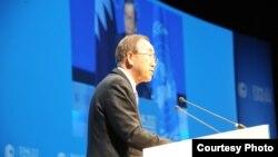 Sekjen PBB Ban Ki-moon di Doha, Qatar mengingatkan delegasi negara-negara maju mengenai pentingnya kesepakatan soal pendanaan iklim jangka panjang (5/12).