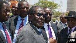Le président Robert Mugabe, 13 octobre 2011.