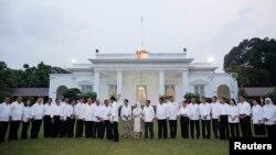 Pengamat mendesak sejumlah menteri kabinet yang berasal dari partai politik harus segera melepaskan jabatannya di partai politiknya (foto: dok).