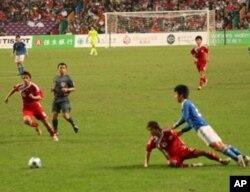 香港队与日本队决战