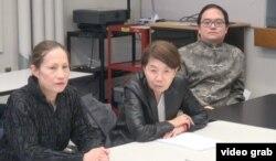 徐芝韵、严正、罗约翰在新闻发布会上