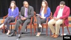 De izquierda a derecha: Oya Rose Aktas, Mohamed Hussein, Morsal Mohomad and Othman Altalib, los jóvenes musulmanes estadounidenses que participaron en el panel de la VOA.